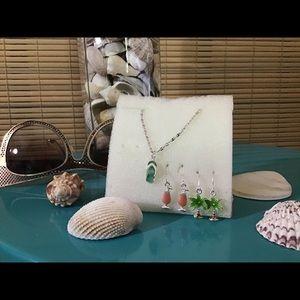 Avon vintage set, 2 pairs of earrings, 1 ankle